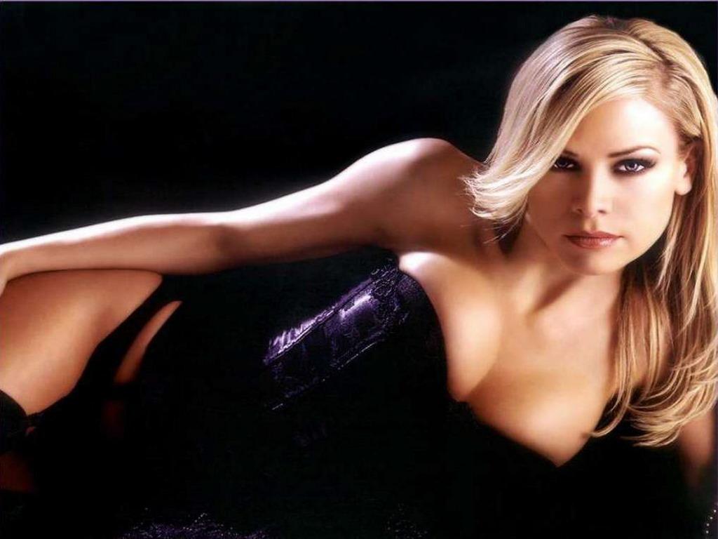 фото блондинка в корсете