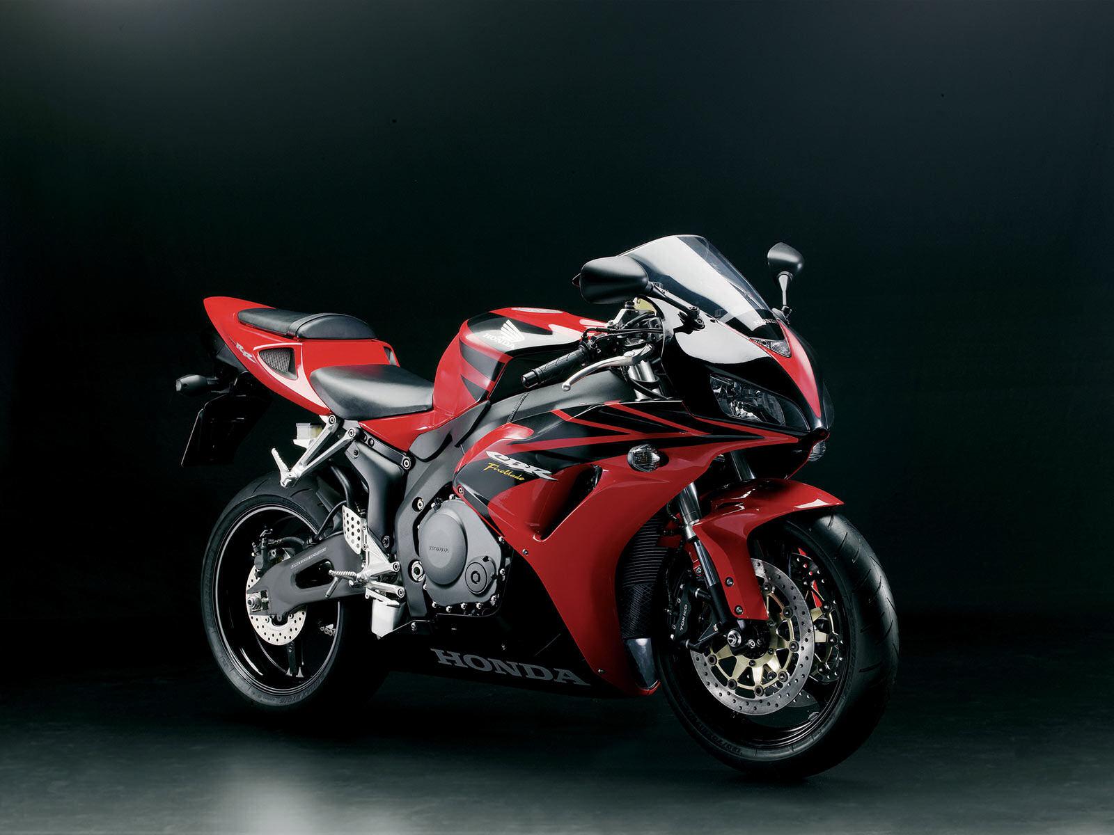 Отличный спортивный мотоцикл honda обои