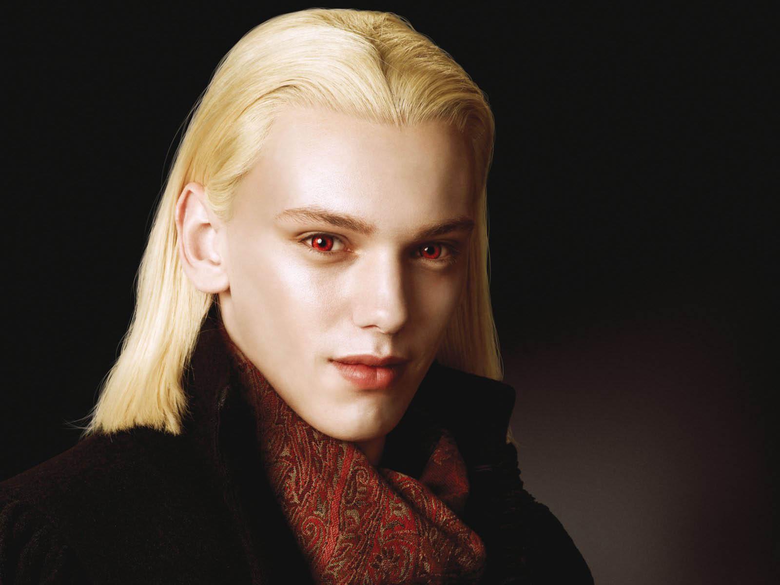 Вампир блондин обои