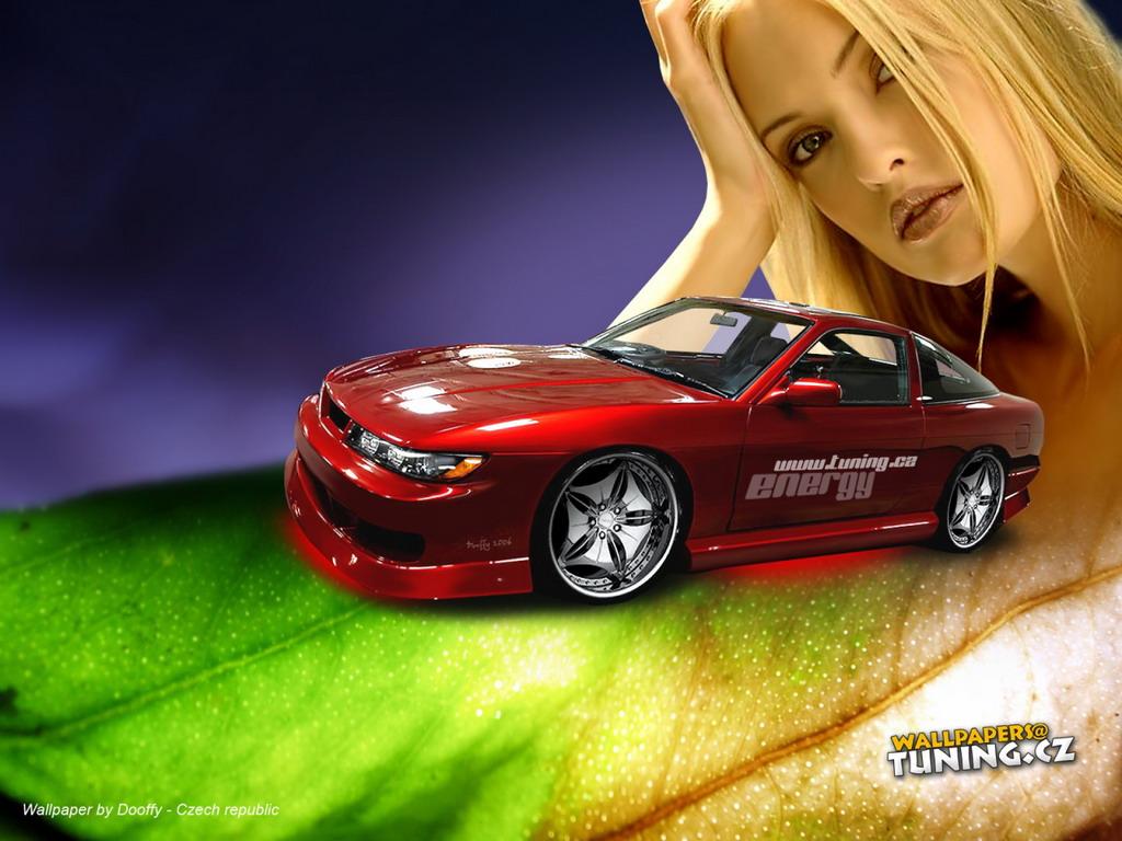 Тюнингованное авто на фоне блондинки - обои