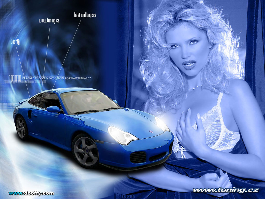 Синий порш 911 на фоне девушки в белом лифчике обои