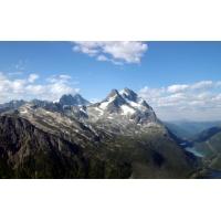 Пик горных вершин - картинки и фоны для рабочего стола windows
