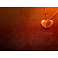Кулон с форме сердца - скачать красивые обои для рабочего стола