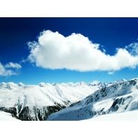 Снежные склоны под облаками - бесплатные картинки на рабочий стол и обои
