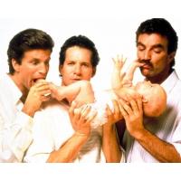 Трое мужчин и младенец обои и фото на красивый рабочий стол скачать